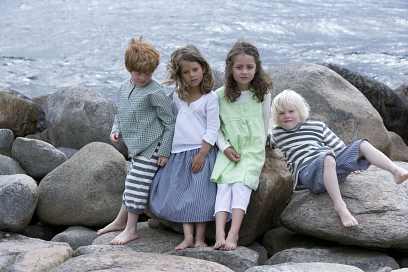 a30b5ebf1ab drenge og piger med økologisk tøj fra Serendipity.